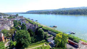 VILLA LEONHART-Lage und Umgebung-Rheinblick