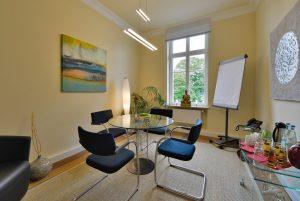Raum mit Rheinblick der Eventlocation Villa Leonhart ideal für Vieraugengespräche