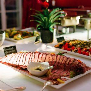 Weihnachtsbuffet für Weihnachtsfeiern in Bonn-Königswinter