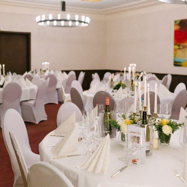 VILLA LEONHART Eventlocation, Hochzeit, Raumsetting