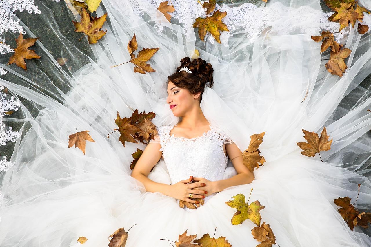 Herbst Hochzeit-bride-1874655-1280