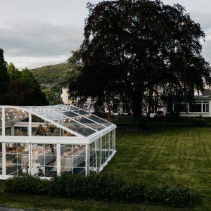 Umwerfendes Wedding-Konzept im Park der VILLA LEONHART